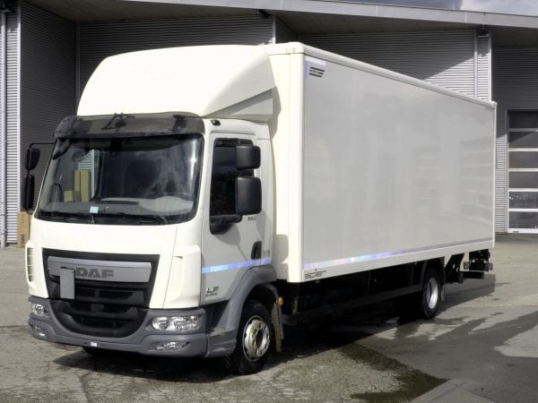 DAF LF 220 FA 12t - Truck with body